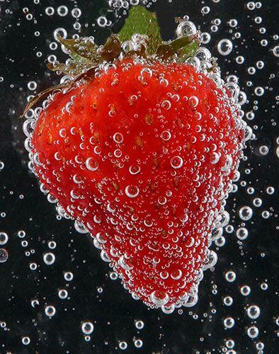 """Obrázek """"http://www.sitnprettyphoto.com/stilllife/bigimages/strawberry5822.jpg"""" nelze zobrazit, protože obsahuje chyby."""